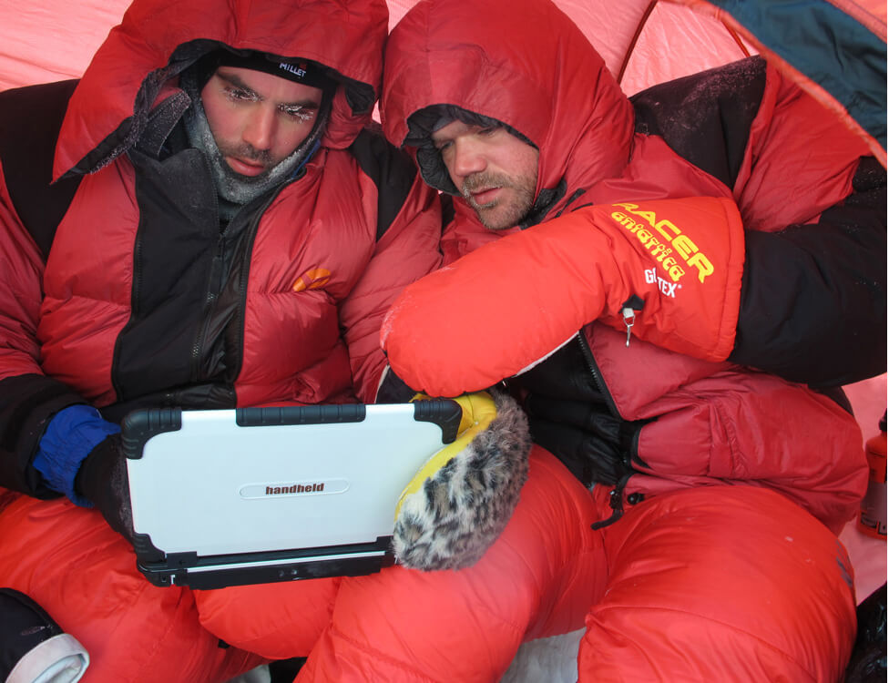 algiz-xrw-working-in-cold-condition-at-north-pole