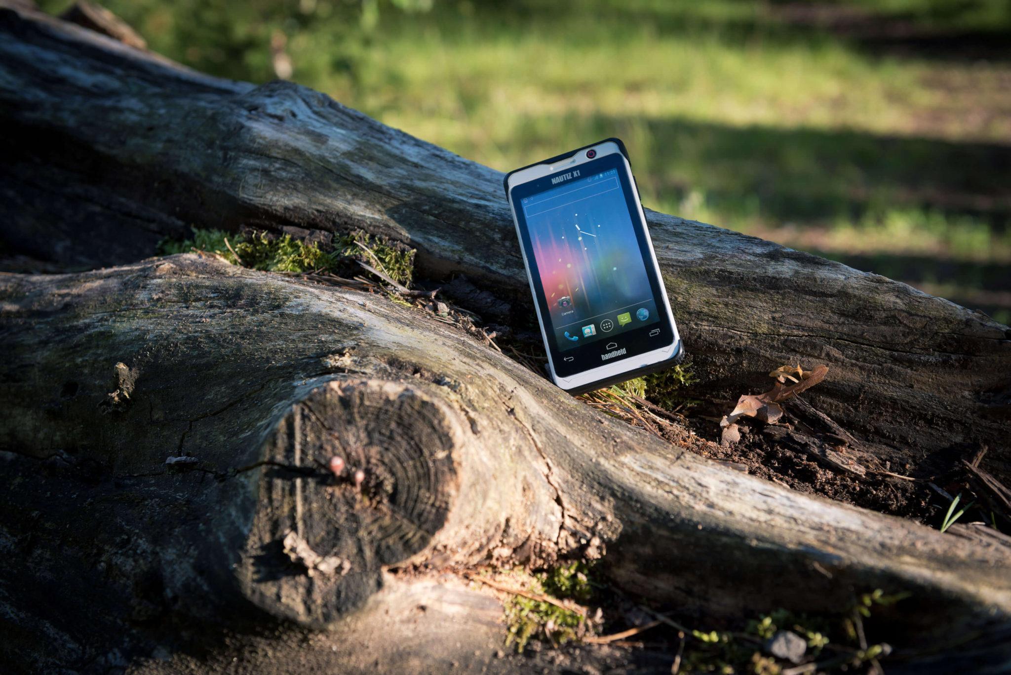 nautiz-x1-ip67-rugged-handheld_forest