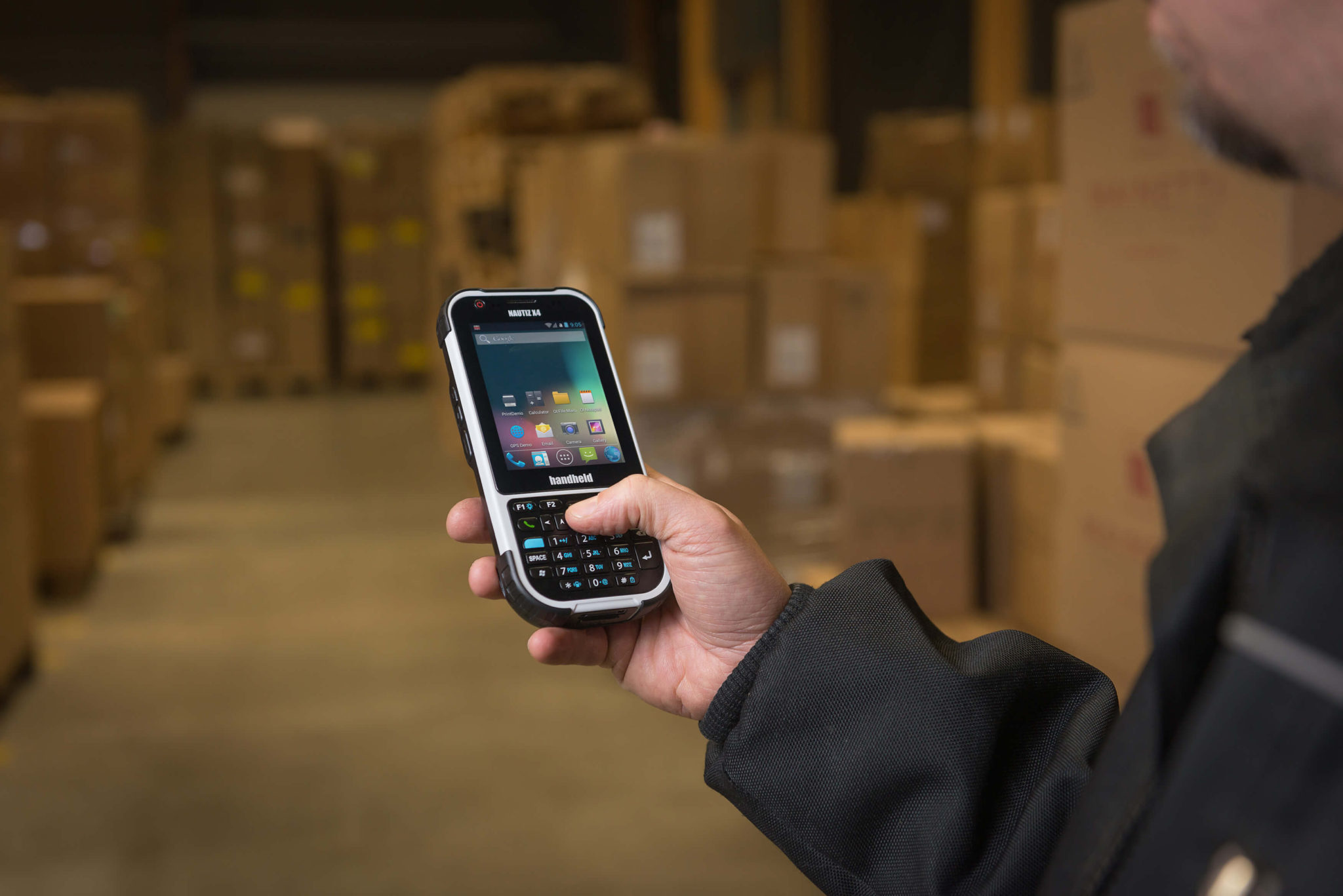 nautiz-x4-ip65-handheld-scanner-warehouse-android