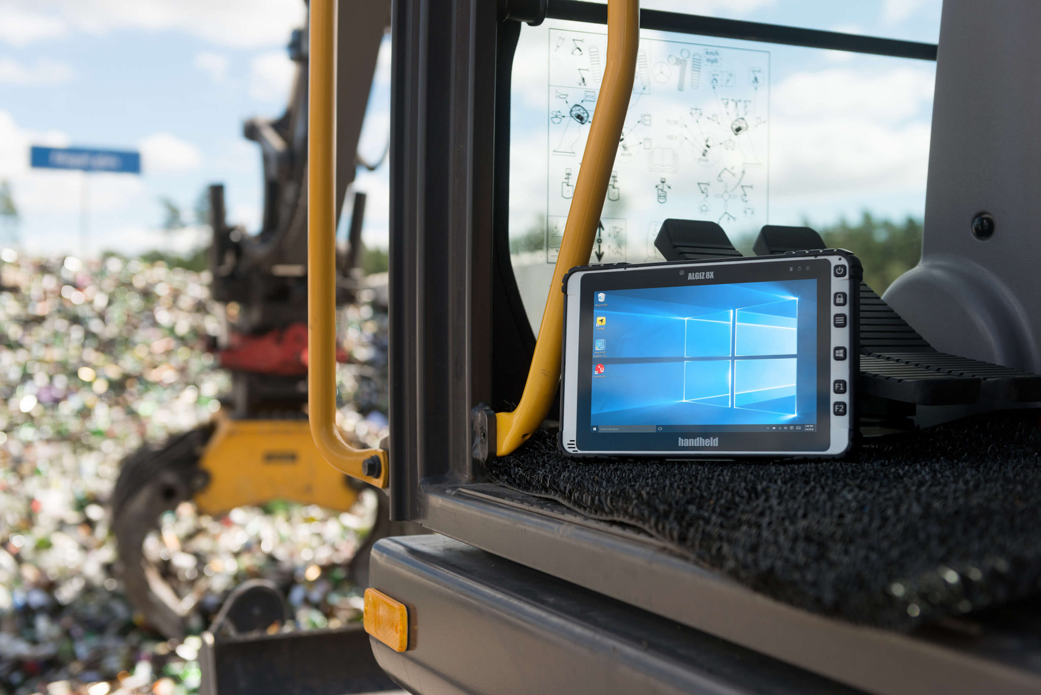 Algiz-8X-rugged-machine-control-tablet(1)