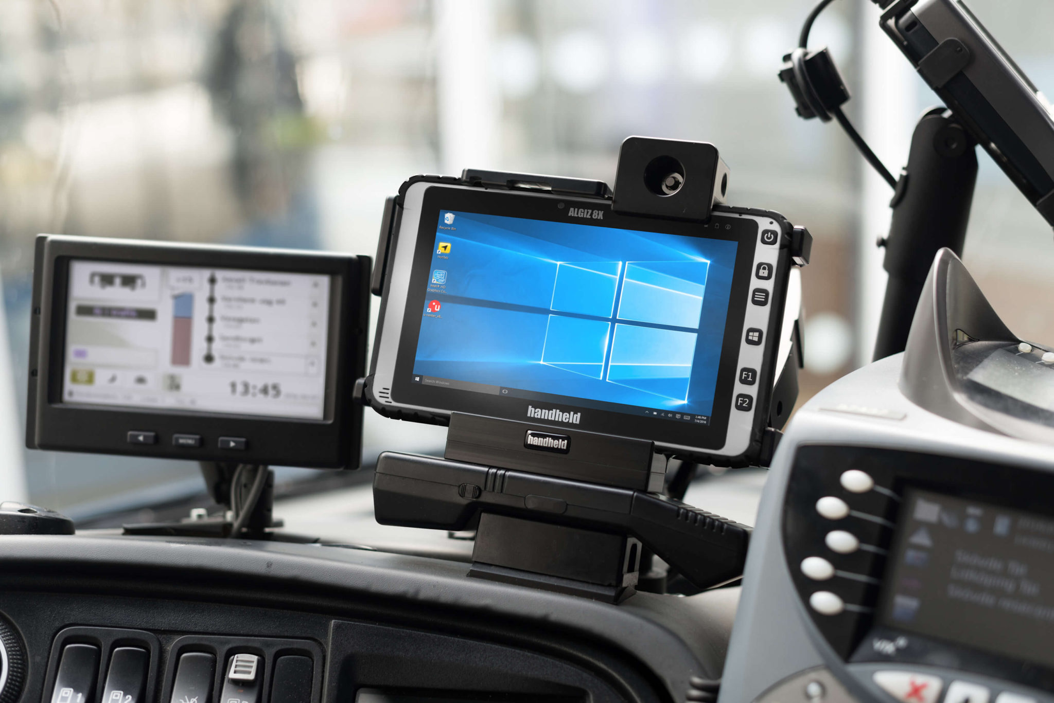 Algiz-8X-rugged-tablet-vehicle-mount(1)