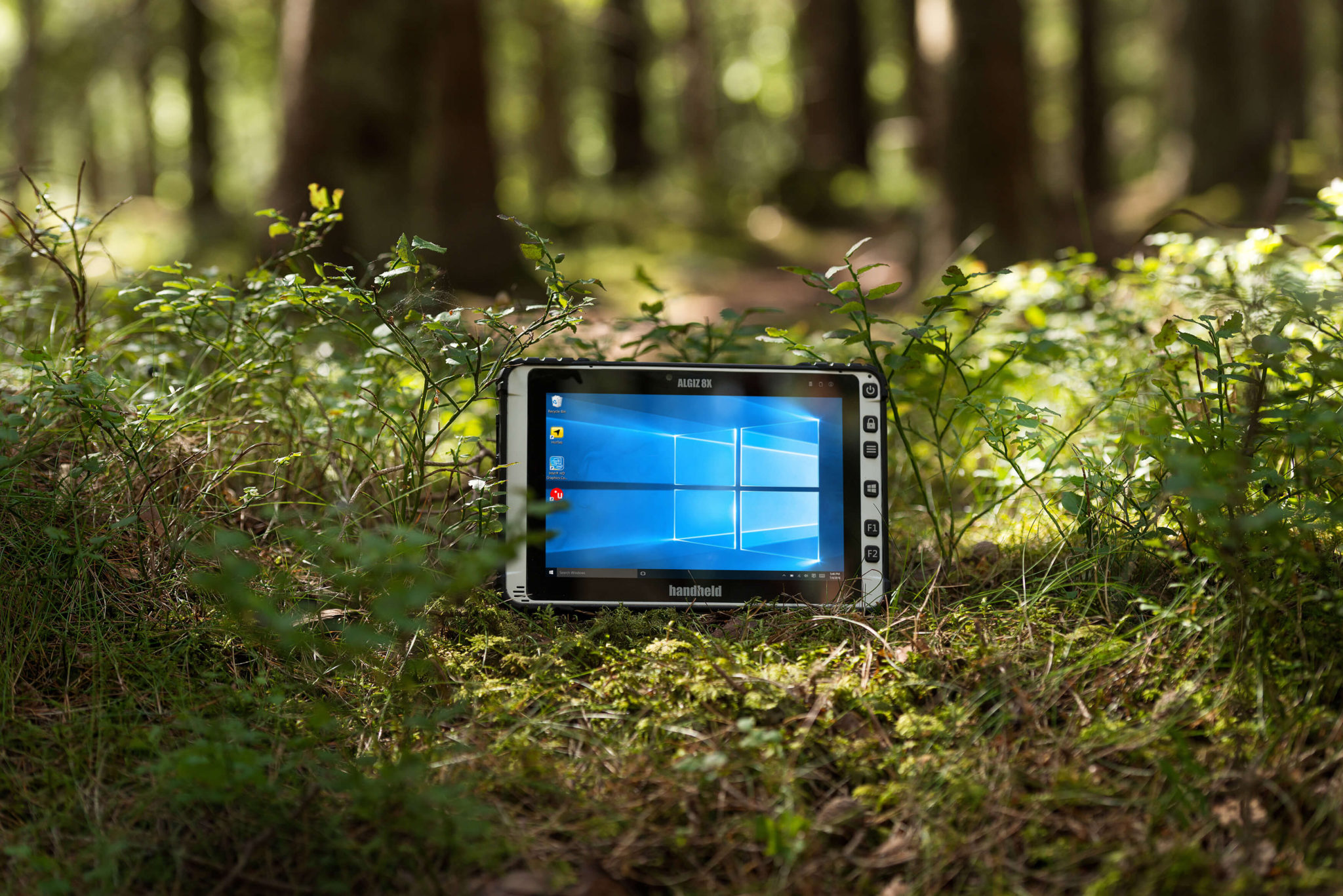 Algiz-8X-rugged-windows-tablet(1)