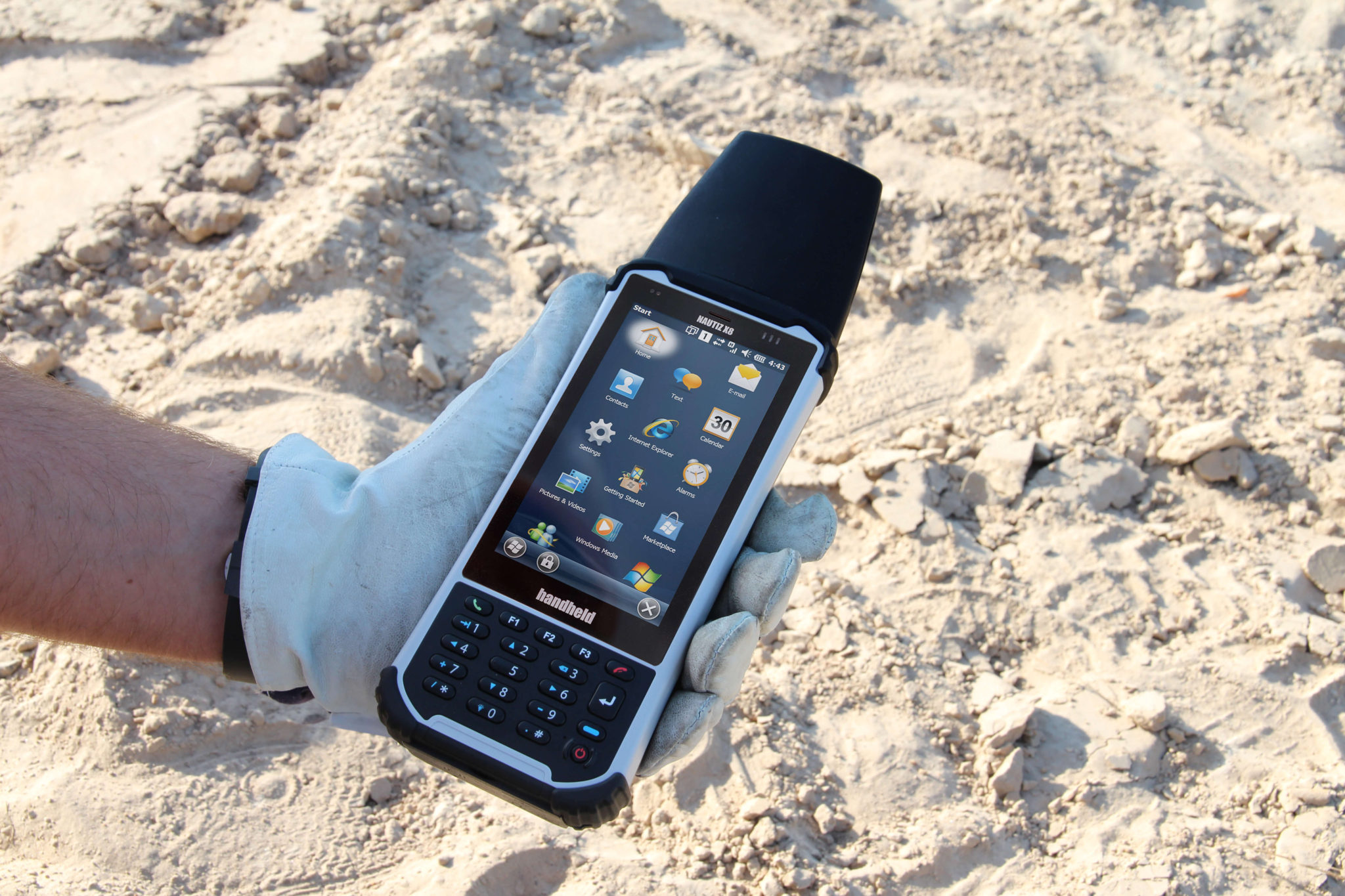 nautiz-x8-expansion-cap-handheld-rugged-computers-outdoors