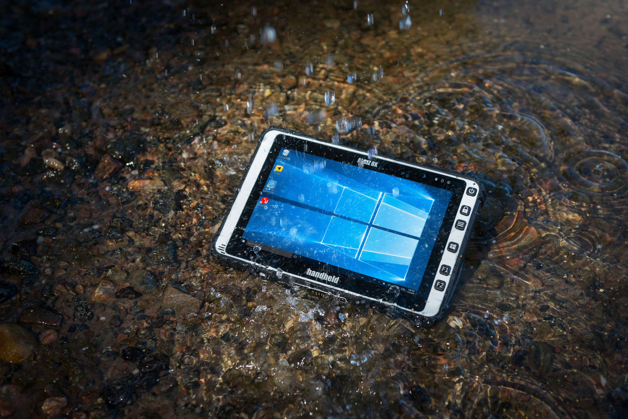 Algiz-8X-rugged-tablet-by-Handheld(1)