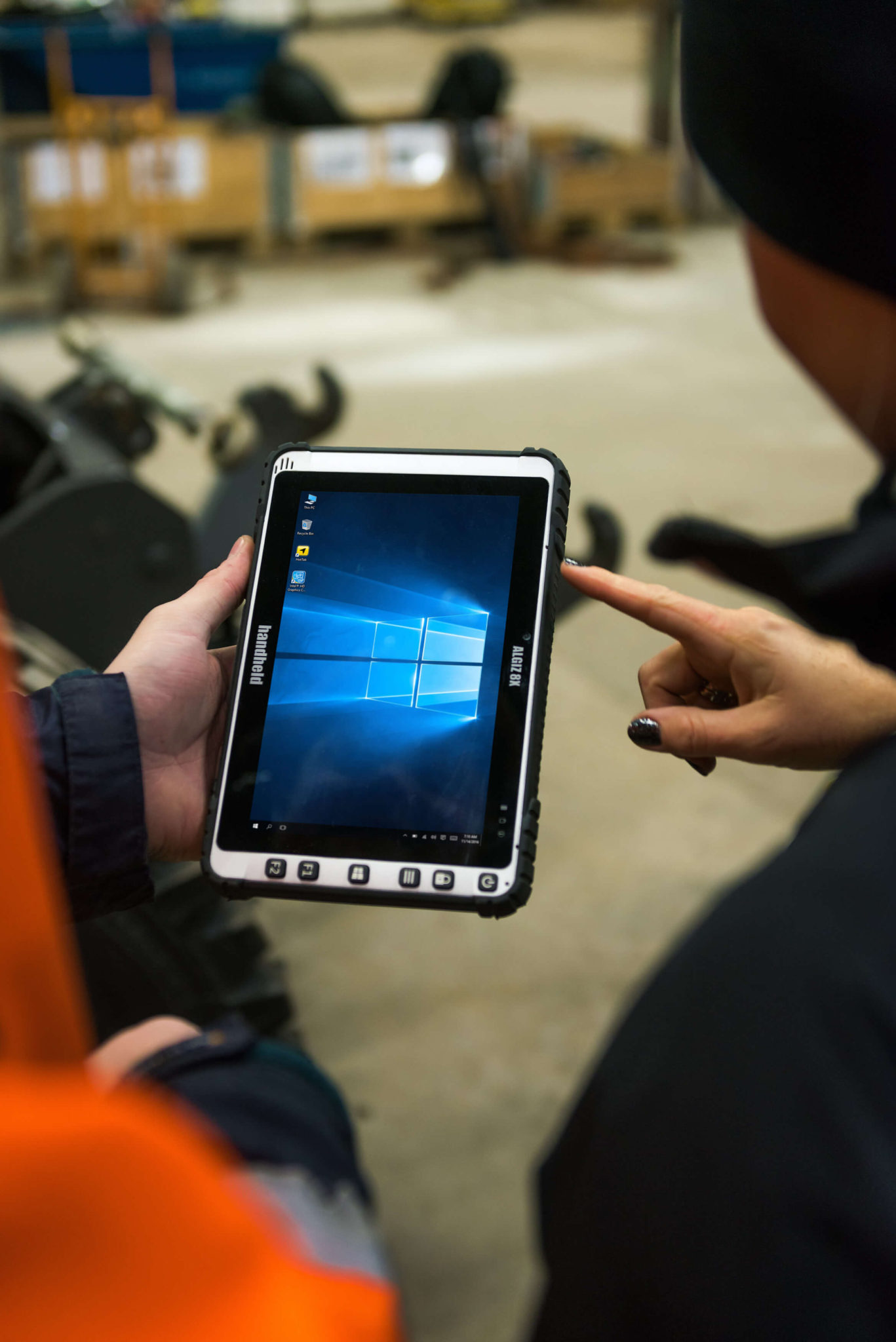 Handheld-Algiz-8X-rugged-tablet-portrait-windows(1)