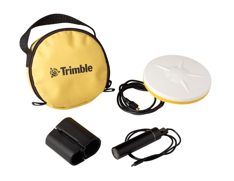 Trimble Catalyst DA1 Antenna_studio_with accessories_71914